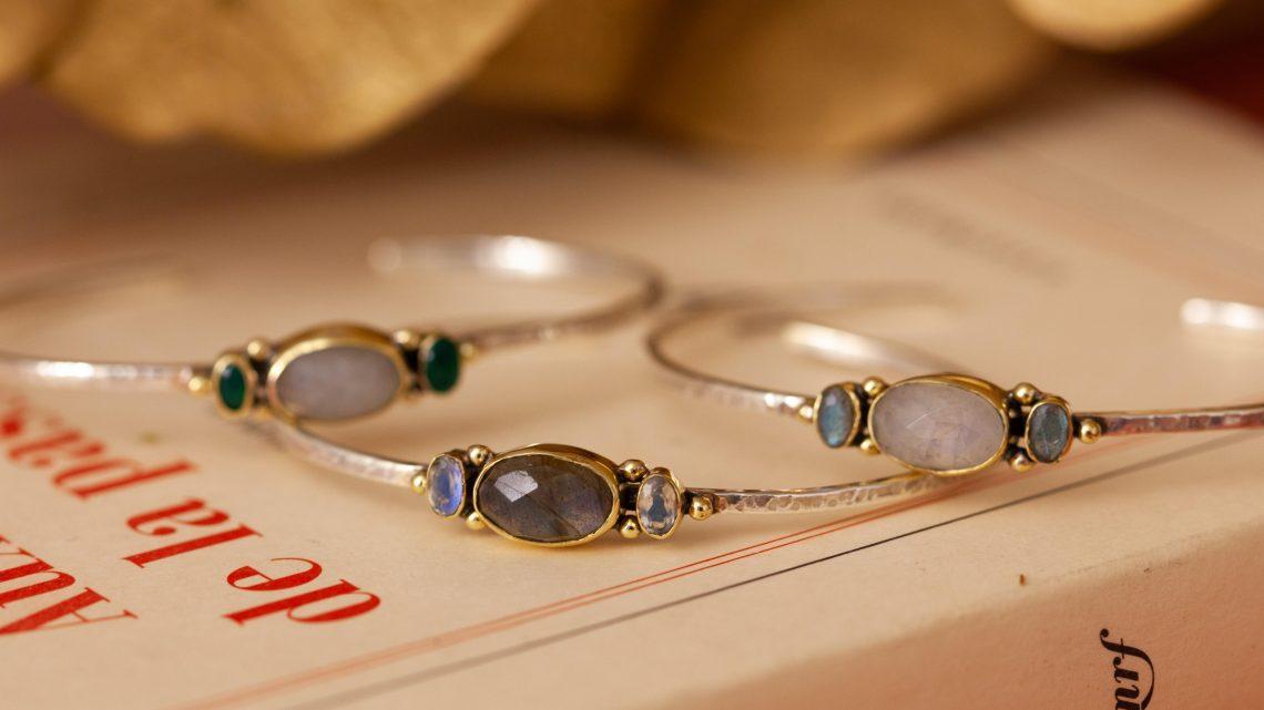Quels bijoux porter pour un style boho chic réussi ?
