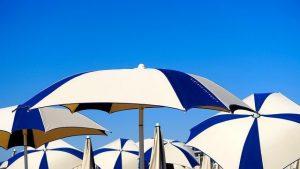 Grand parasol de plage