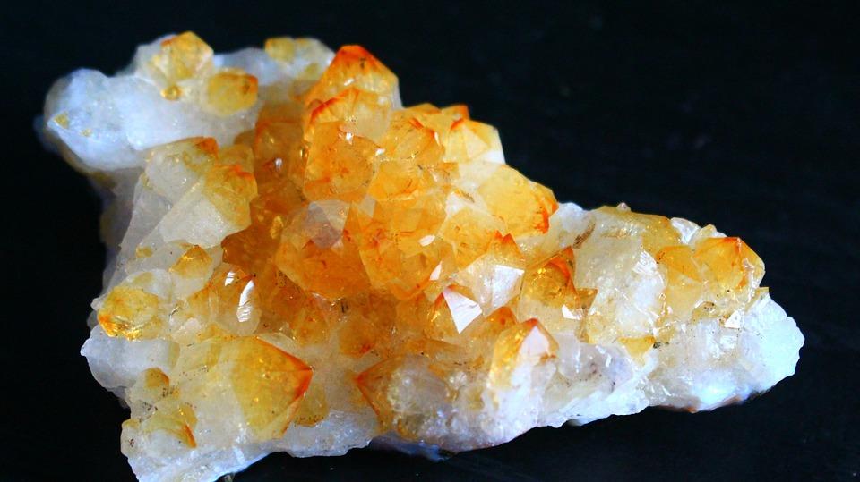 La citrine : une pierre idéale à porter en guise de bijou