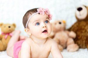 10 conseils pour aider votre enfant à préparer l'arrivée de son bébé